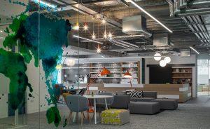 El lenguaje internacional del diseño de Viccarbe: Las oficinas de Hostelworld en Dublín